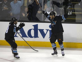 Sharks crush Kings, take 2-0 series lead